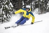 První lyžování na Černé Hoře v Krkonoších na sjezdovce Anděl