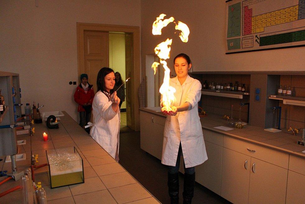 Gymnázium v Příboře - chemická laboratoř