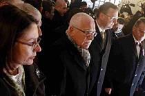Miroslava Němcová, Václav Klaus, Petr Nečas a Bohuslav Svoboda při uctění památky studentů, kteří v roce 1989 se střetli s komunistickou policií na pražské Národní třídě.