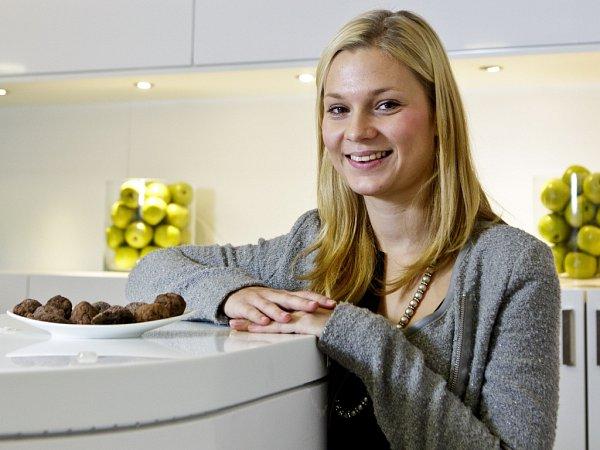 Hodnocení upečeného vánočního cukroví porotou vrámci projektu Deníku Česko zpívá koledy se uskutečnilo 22.listopadu 2013vPraze.