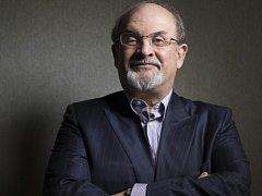 Spisovatel Salman Rushdie, který v roce 1988 rozhněval muslimy svou knihou Satanské verše, ve středu v projevu na Vermontské univerzitě v USA prohlásil, že právo na svobodu projevu musí být absolutní.