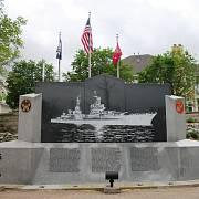 Památník USS Indianapolis ve stejnojmenném městě