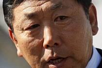 Trenér KLDR Kim Čong-Hun vzal prohru od Portugalců 0:7 na sebe.