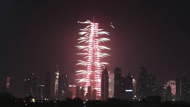 Oslavy příchodu nového roku v Dubaji.