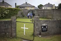 V katolickém sirotčinci v Irsku objeven hrob s ostatky mnoha dětí