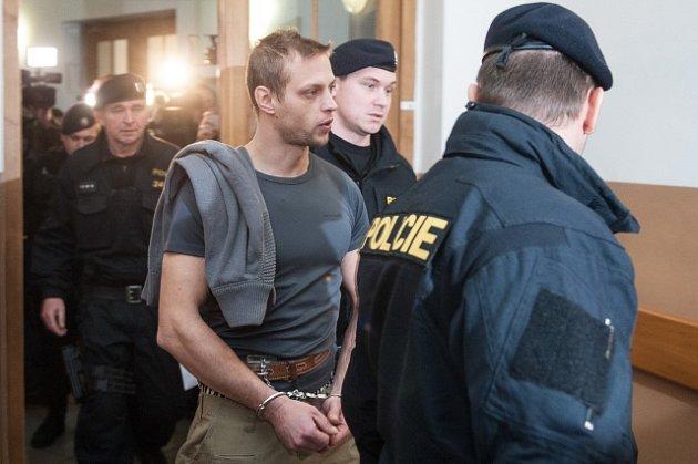 Přepadení benzinové stanice a vražda čerpadlářky v Nelahozevsi