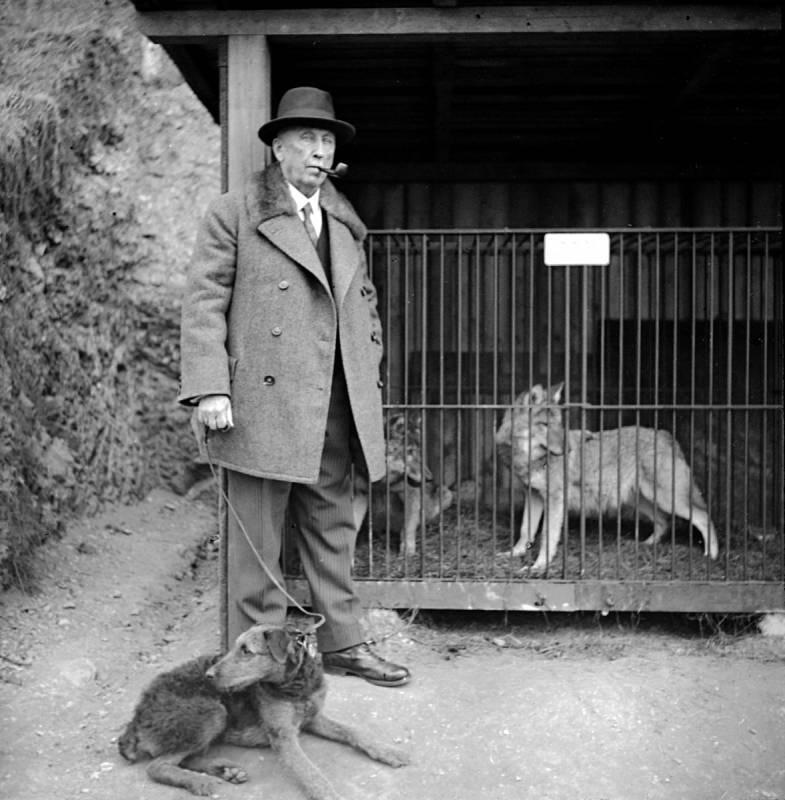 První ředitel Zoo Praha profesor Jiří Janda