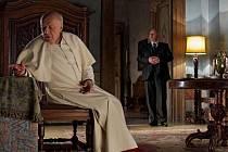 Snímek z filmu letošního hosta festivalu, italského filmaře Nanni Morettiho, Máme papeže