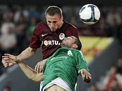 Sparťan Jan Holenda otevřel proti Panathinaikosu skóre.