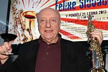 Felix Slováček, muzikantská legenda, oslaví nejen svou sedmdesátku, ale zároveň padesát let své profesionální kariéry. A to galakoncertem 22. května 2013 od 20.00 v pražské Lucerně.