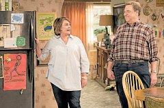 Krach. Po rasistickém komentáři byla Roseanne Barrová vyhozena z populárního seriálu, v němž hrála s vynikajícím Johnem Goodmanem od konce osmdesátých let.