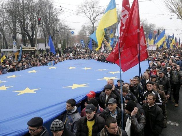 Demonstrace v Kyjevě za evropskou integraci.