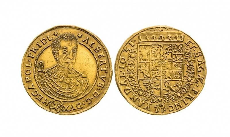 Dukát 1631 Albrechta z Valdštejna, frýdlantského knížete a generála císařského vojska, jenž byl znám svými vojenskými úspěchy. Po Valdštejnově smrti přikázal císař všechny Valdštejnovy mince roztavit a kov zpracovat na ražbu mincí císařských