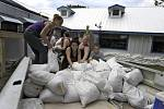 Obyvatelé Floridy se připravují na hurikán Michael