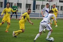 Fotbalisté Varnsdorfu (ve žlutém) proti Frýdku-Místku.