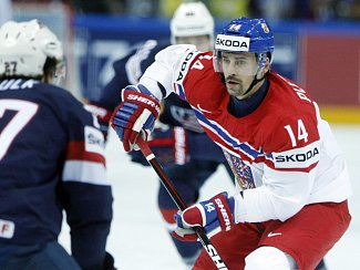 Tomáš Plekanec (vpravo) proti USA.