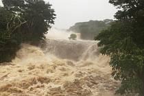 Havajské ostrovy zasáhl silný hurikán Lane.