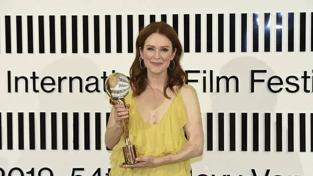 Herečka Julianne Moore na 54. Mezinárodním filmovém festivalu v Karlových Varech