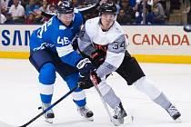 Hokejisté Výběru Severní Ameriky porazili při svém vstupu do Světového poháru v Torontu Finsko 4:1.