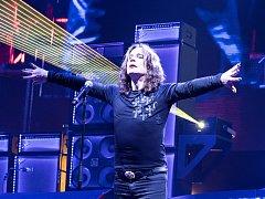 Britský zpěvák Ozzy Osbourne na koncertě v Praze.