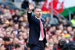 Ryan Giggs jako trenér Walesu.