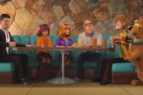 V novém filmu Scoob! (2020) se na plátna vrací Scooby Doo i všichni členové party - Shaggy, Velma, Fred a Daphne