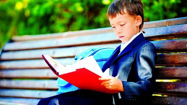 Nadané dítě myslí jinak, globálně a v souvislostech, není jen více chytré, ale také jinak chytré.