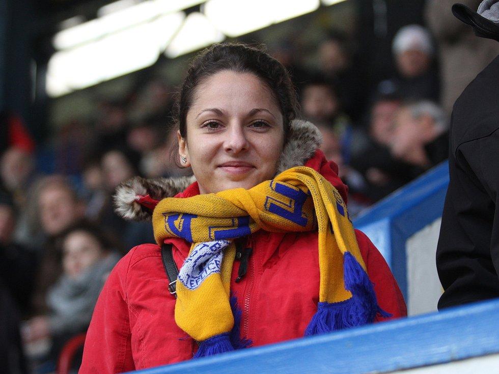 Tereza Bártová z Oseka na fotbale v Teplicích