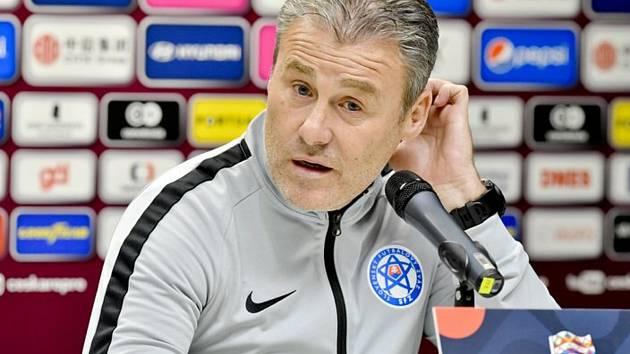 Trenér slovenské fotbalové reprezentace Pavel Hapal (na snímku z 18. listopadu 2018).
