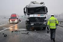 Nehoda na náledí. Ilustrační snímek