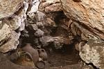 Hrobka v Izraelském nalezišti Megido, kde byly objeveny džbány se stopami vanilky