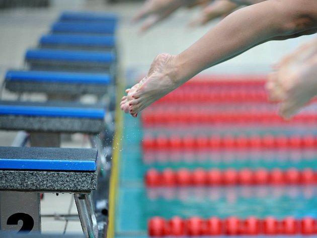 """DELFÍNI ZA PROPASTÍ. Úspěchem plavců v Pekingu bude semifinále. """"Bude mít cenu medaile,"""" ví trenérka reprezentace."""