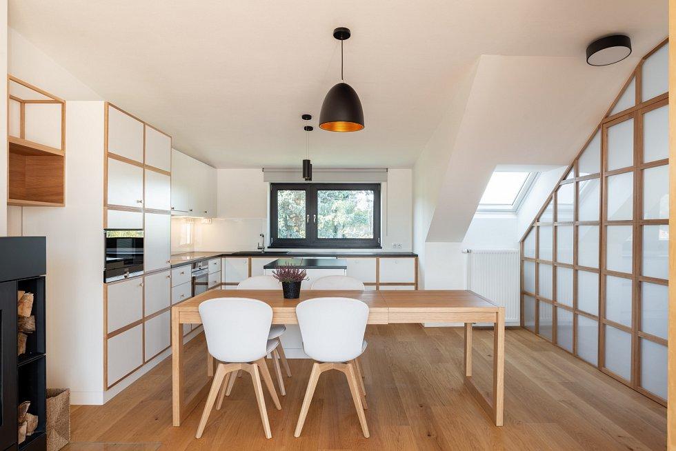 Architektura - Studio AEIOU. Interiér mezonetového bytu v Brně