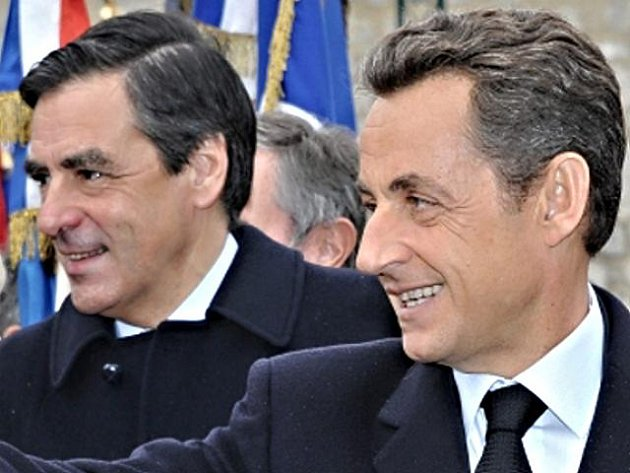 Francouzský prezident Nicolas Sarkozy (vpravo) a francouzský premiér François Fillon.
