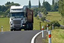 Kamion na silnici. Ilustrační foto.