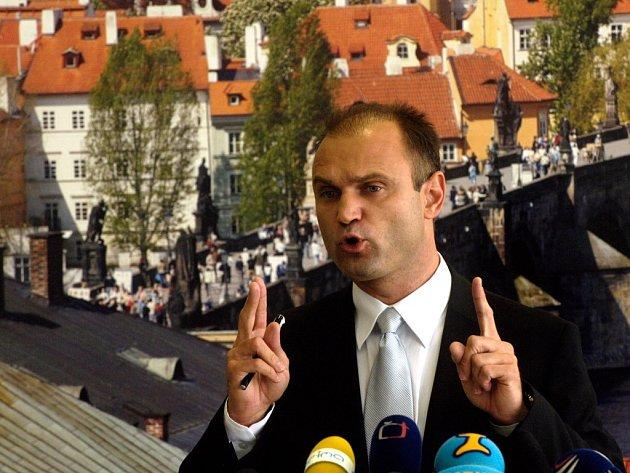 Ministr vnitra Ivan Langer informoval o Schengenu.