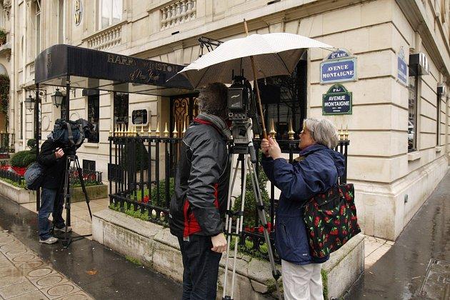 Pařížské klenotnictví Harry Winston, odkud si lupiči odnesli, šperky, jejichž cenu odhadují znalci na osmdesát milionů eur