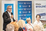 První z debat Hospodářské komory kandidátů v nadcházejících volbách proběhla 6. září v Praze. Na snímku prezident HK Vladimír Dlouhý.