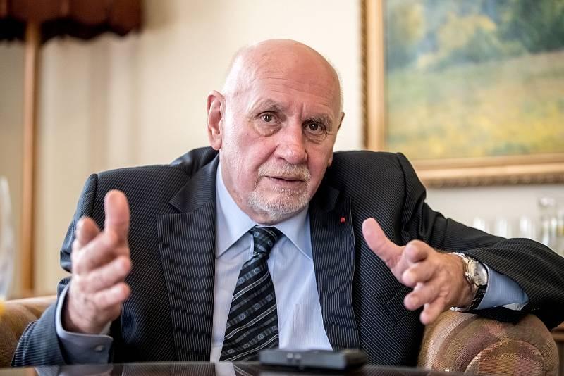 Předseda Ústavního soudu Pavel Rychetský poskytl 19. ledna v Praze rozhovor Deníku.