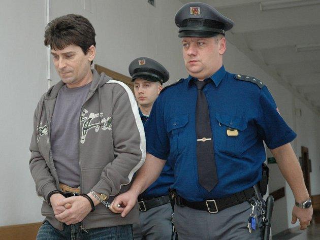 Na osm let do kriminálu pro nejtěžší zločince poslal v pondělí Krajský soud v Praze 42letého Ludvíka W