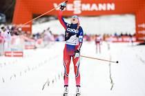 Therese Johaugová a její radost z triumfu na desítce v Oberstdorfu