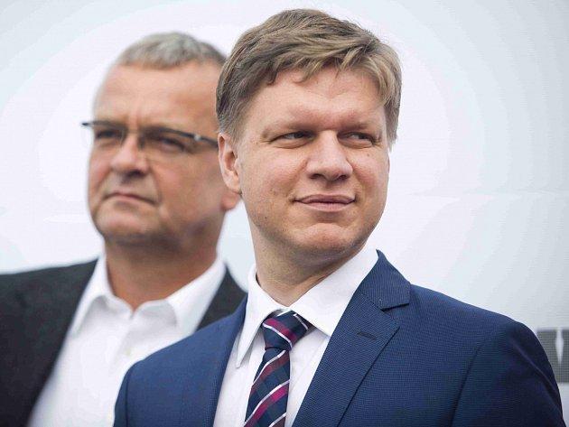 Primátor Prahy Tomáš Hudeček na předvolební tiskové konferenci TOP 09.