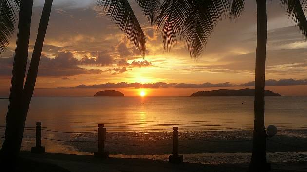 Západ slunce na Borneu
