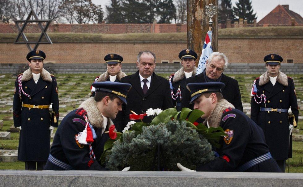 Prezident Miloš Zeman a slovenský prezident Andrej Kiska společně navštívili 26. ledna Terezín.