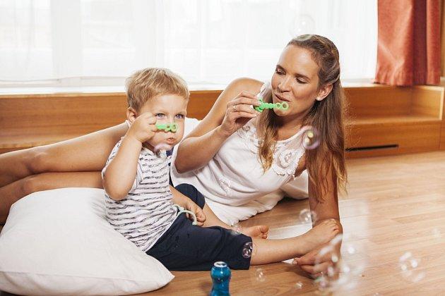 Foukaná izolace má budoucnost. Vklidu domova můžete relaxovat a mezitím váš dům získá teplý svetr vpodobě foukané izolace.