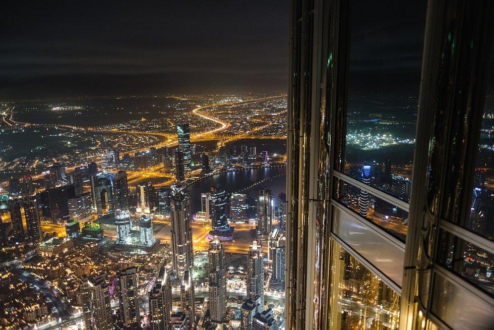 Výhled z Burdž Chalífa v Dubaji je opravdu ohromující.