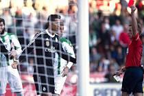 Nejlepší fotbalista světa Cristiano Ronaldo viděl proti Córdobě červenou kartu a zamířil do sprch.