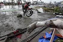 Následky ničivého tajfunu Haiyan.