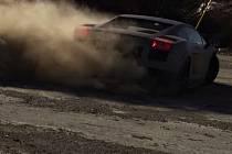Damon Fryer ukazuje, co všechno se dá dělat s Lamborghini Gallardo.