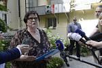 Ministryně spravedlnosti za ANO Marie Benešová hovoří s novináři po schůzce se zástupci občanské platformy Rekonstrukce státu 25. června 2019 v Praze.